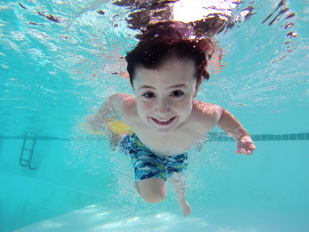 Make Keeping Your Pool Clean and Clear Easy with EZ POOL!