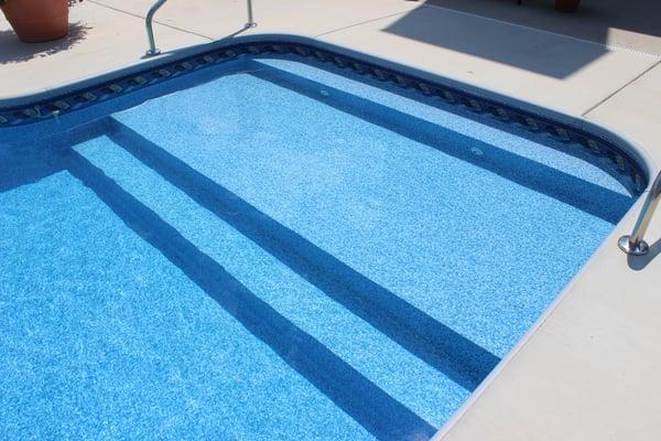 Royal Swimming Pool Vinyl Over Sun Ledge