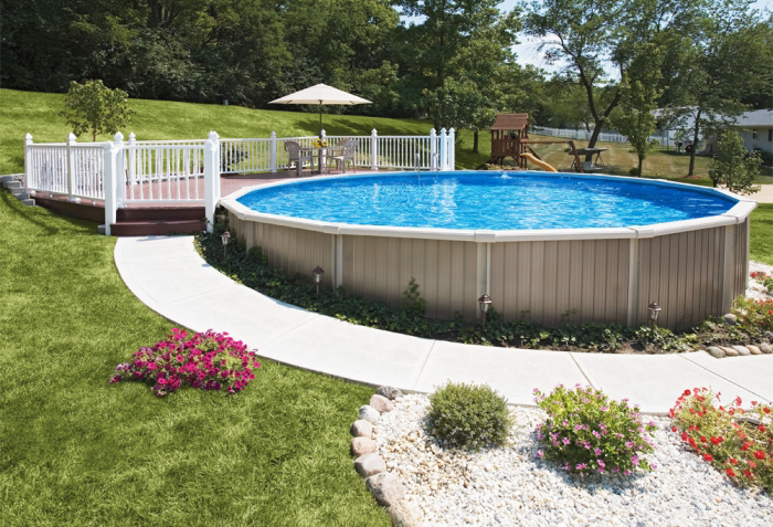 Round Semi-Inground Pool With Deck