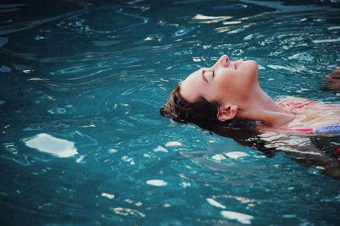 Swimming Pool Heaters vs. Heat Pumps: Which Is Better?